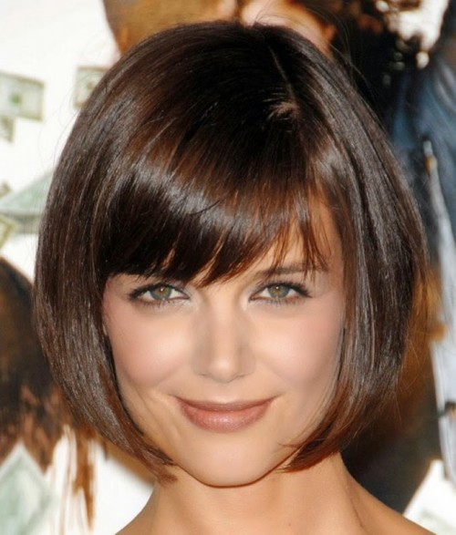 Cute-Bob-hairstyles-for-women-with-bangs-and-layered